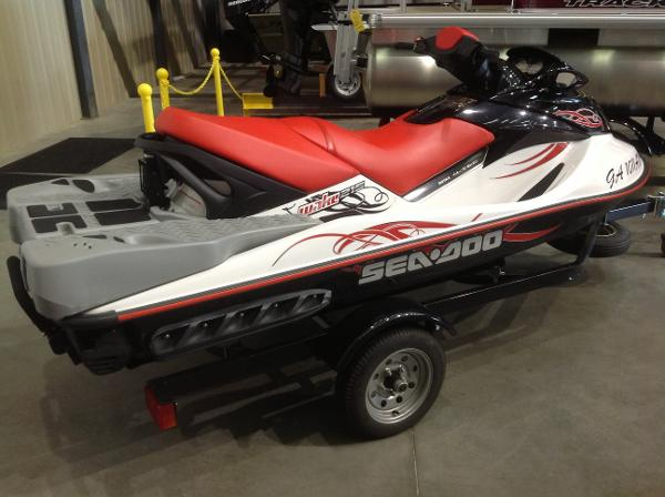 2008 Sea Doo PWC boat for sale, model of the boat is Wake 215 w/ballast & trailer & Image # 3 of 13