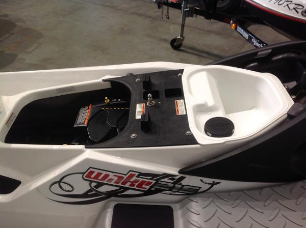 2008 Sea Doo PWC boat for sale, model of the boat is Wake 215 w/ballast & trailer & Image # 11 of 13