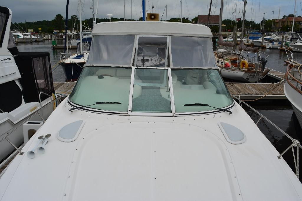 Cruisers 3672 - Looking Aft