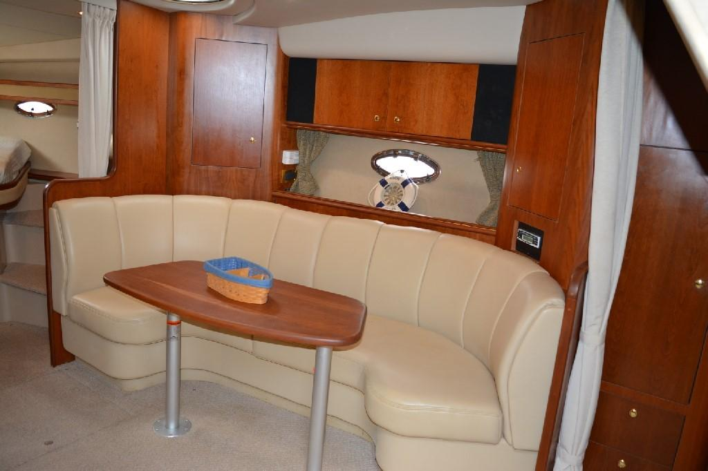 Cruisers 3672 - Crescent Dinette