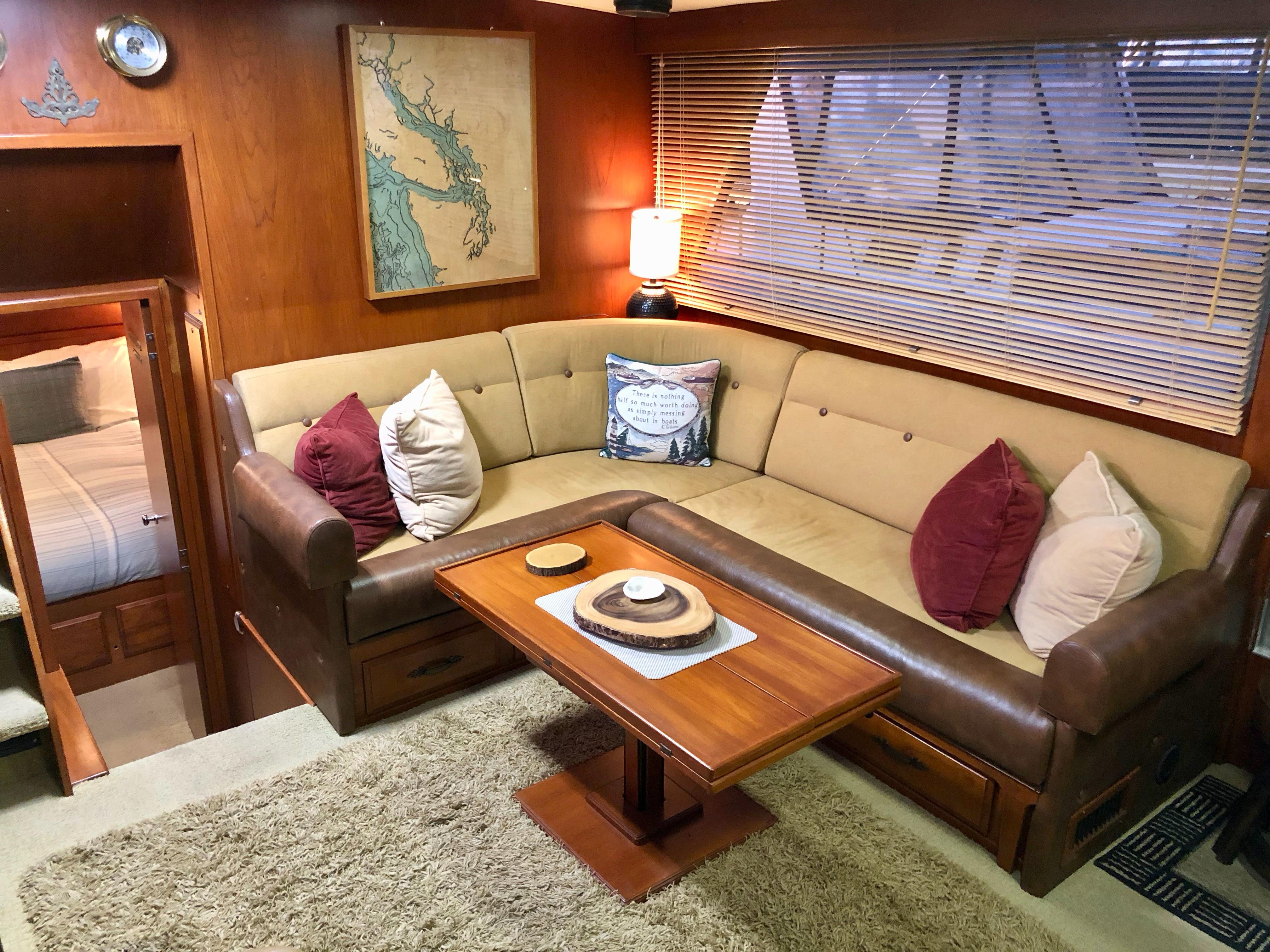 Picture Of:  43' Tollycraft 43 Motor Yacht 1981Yacht For Sale   40