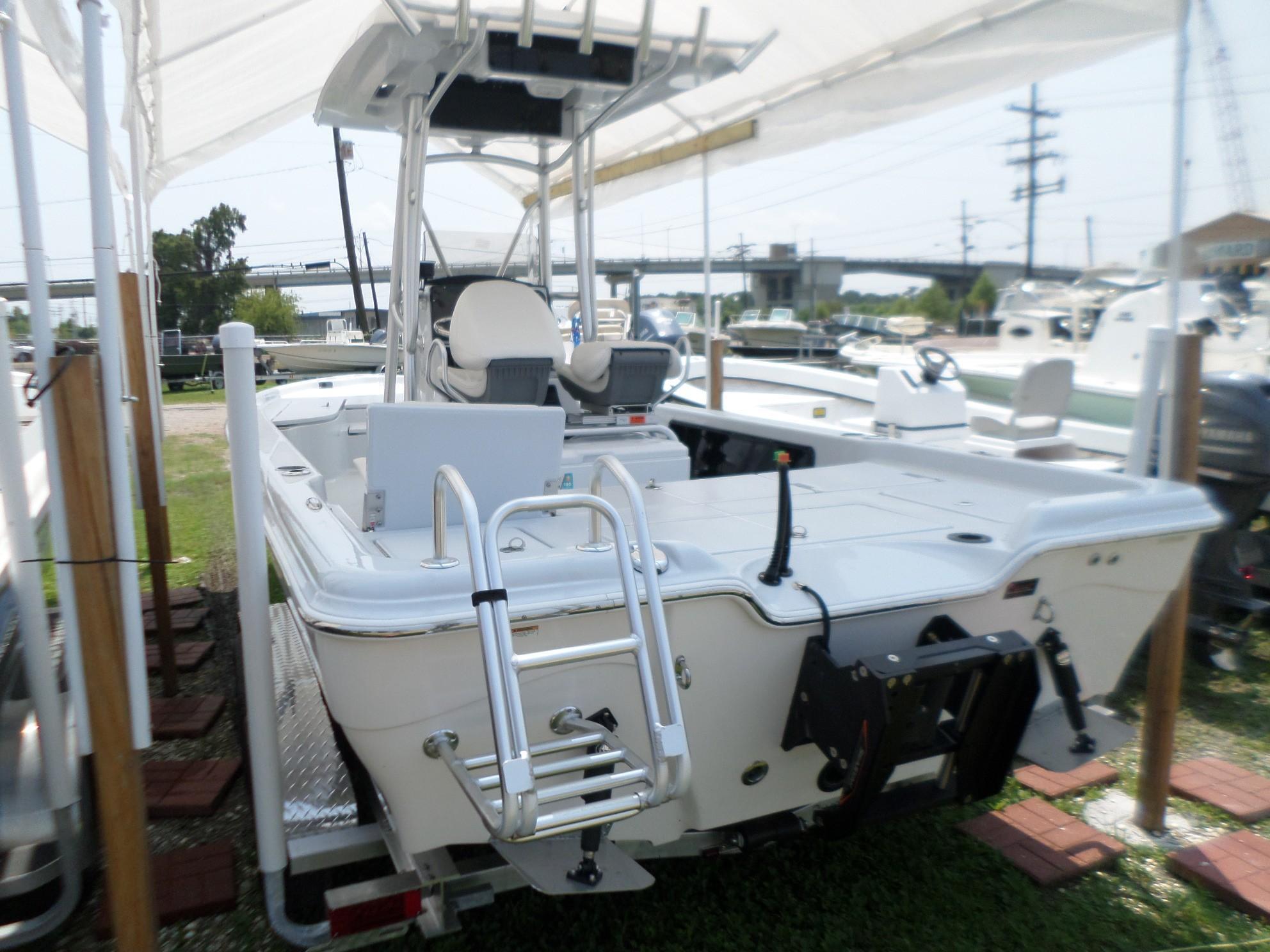 New  2019 24' Blue Wave 2400 PureBay Bay Boat in Slidell, Louisiana