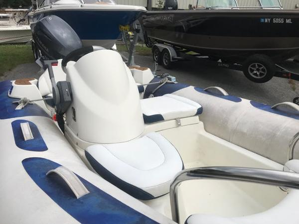 2013 Zodiac boat for sale, model of the boat is 10' YK 380 NEO & Image # 5 of 9