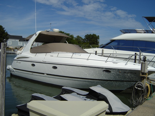 2001 Cruisers Yachts 3672 ESPRIT