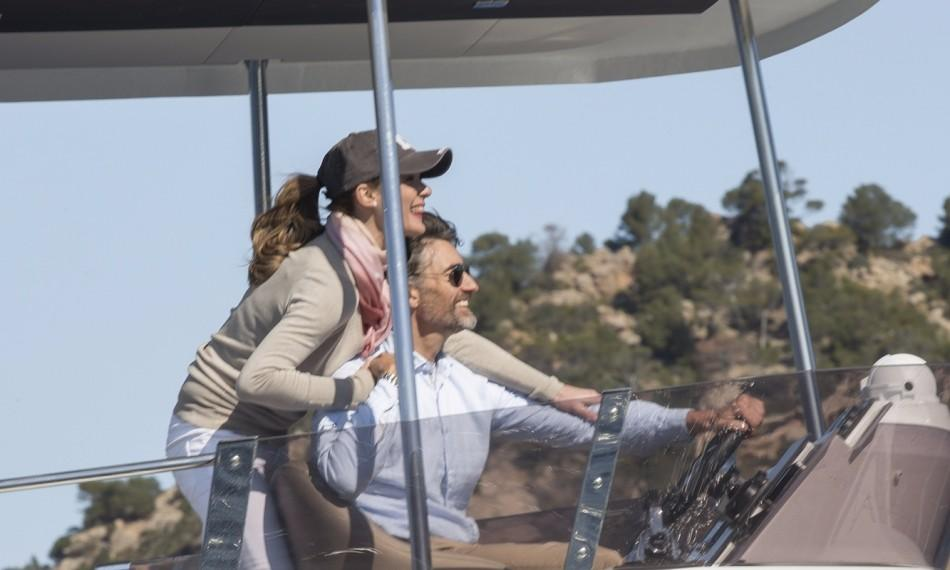 Manufacturer Provided Image: Fountaine Pajot MY 37 Flybridge Helm