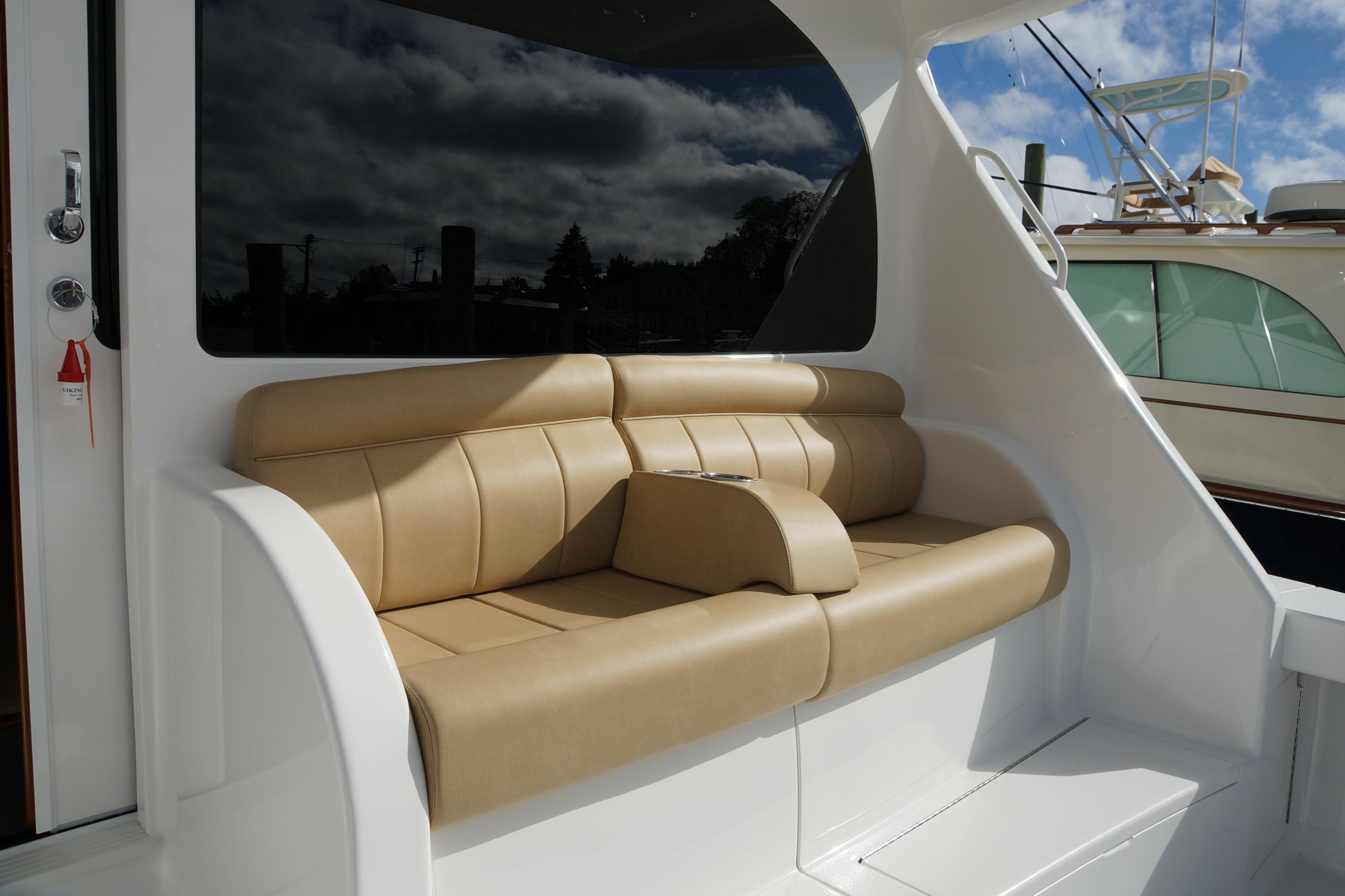 Viking YachtsConvertible