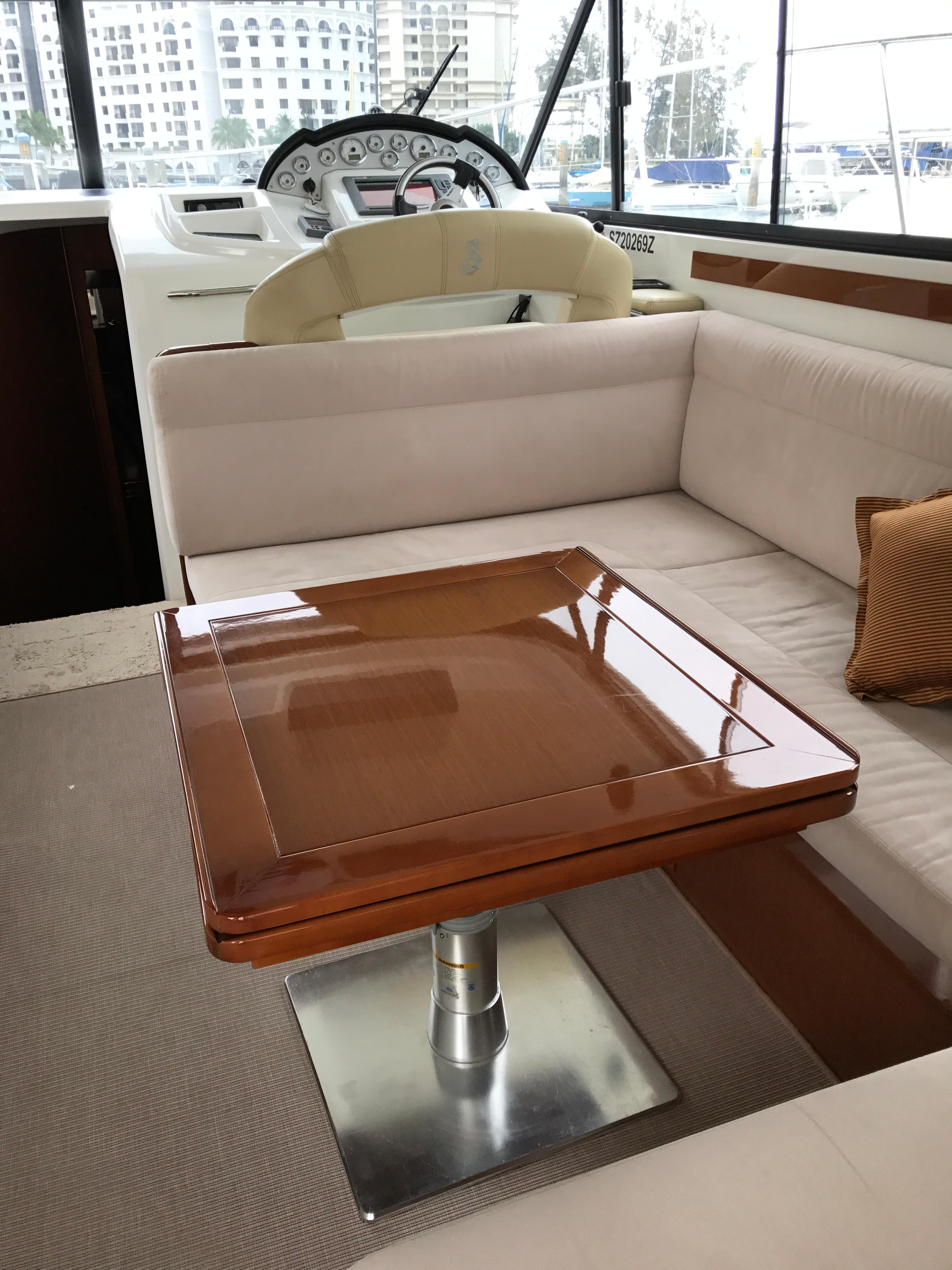 Antares 42 Starboard Salon