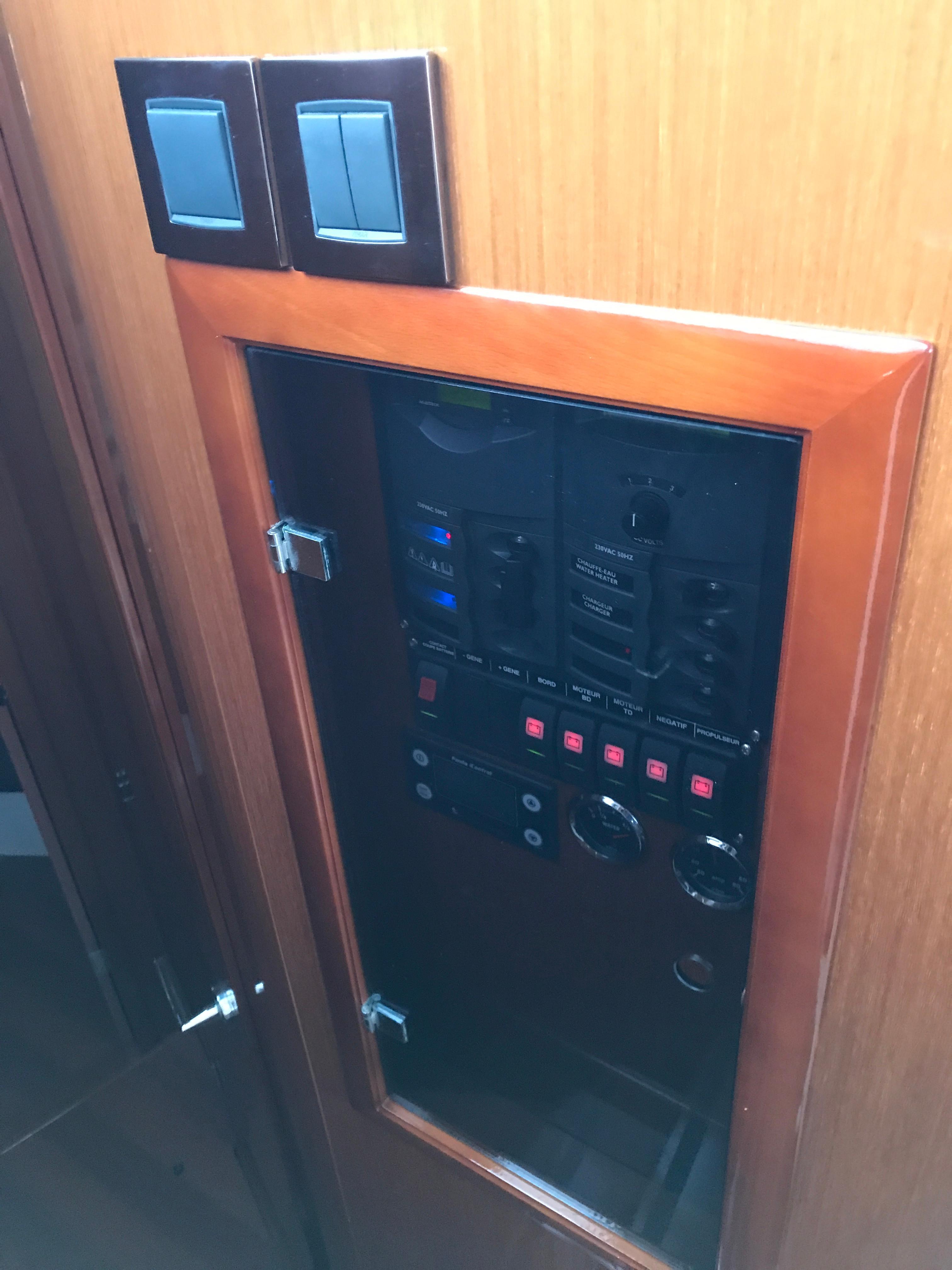 Antares 42 Main Electrical Control Board