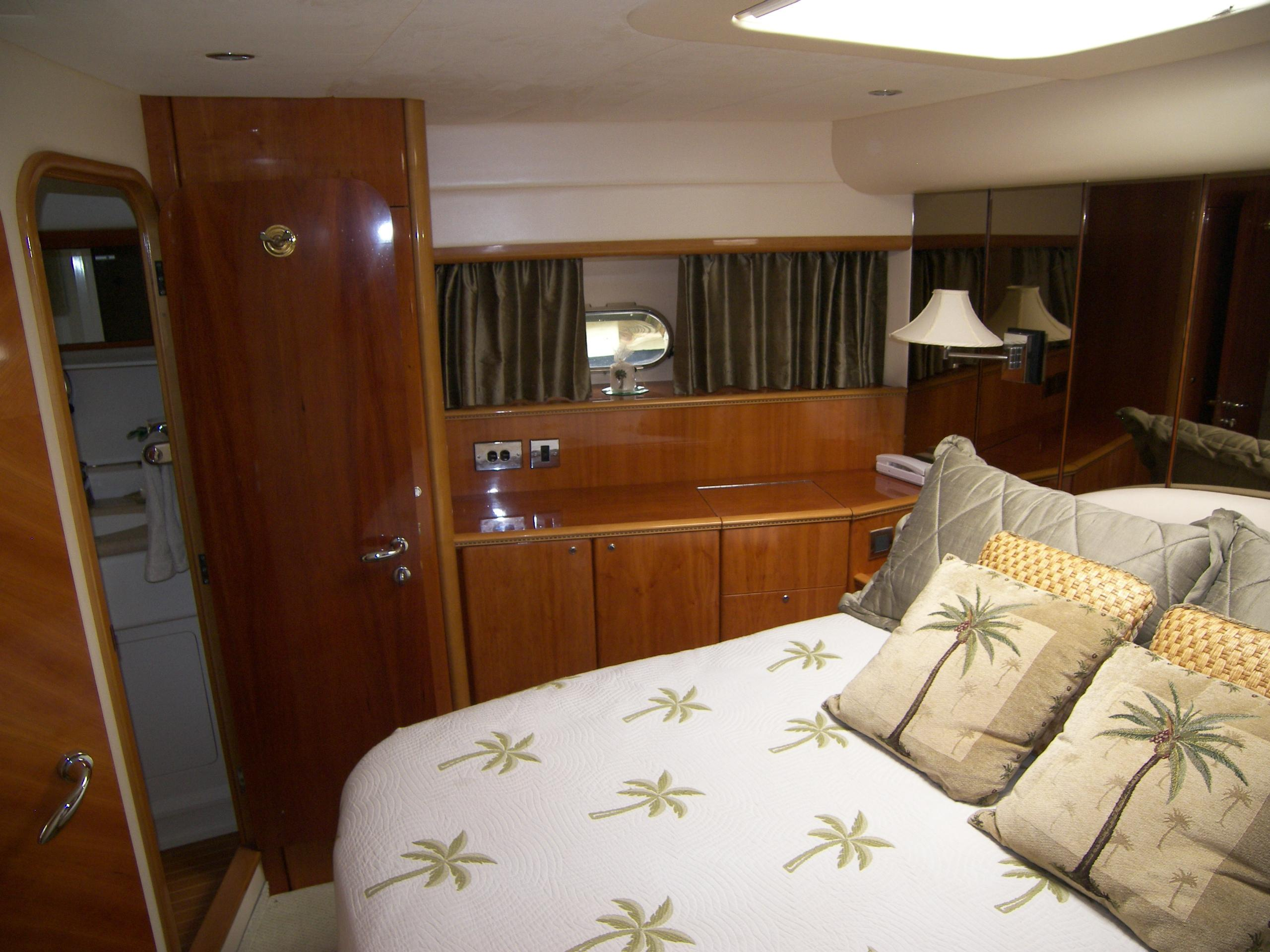 Forward VIP Stateroom W/ Ensuite Head