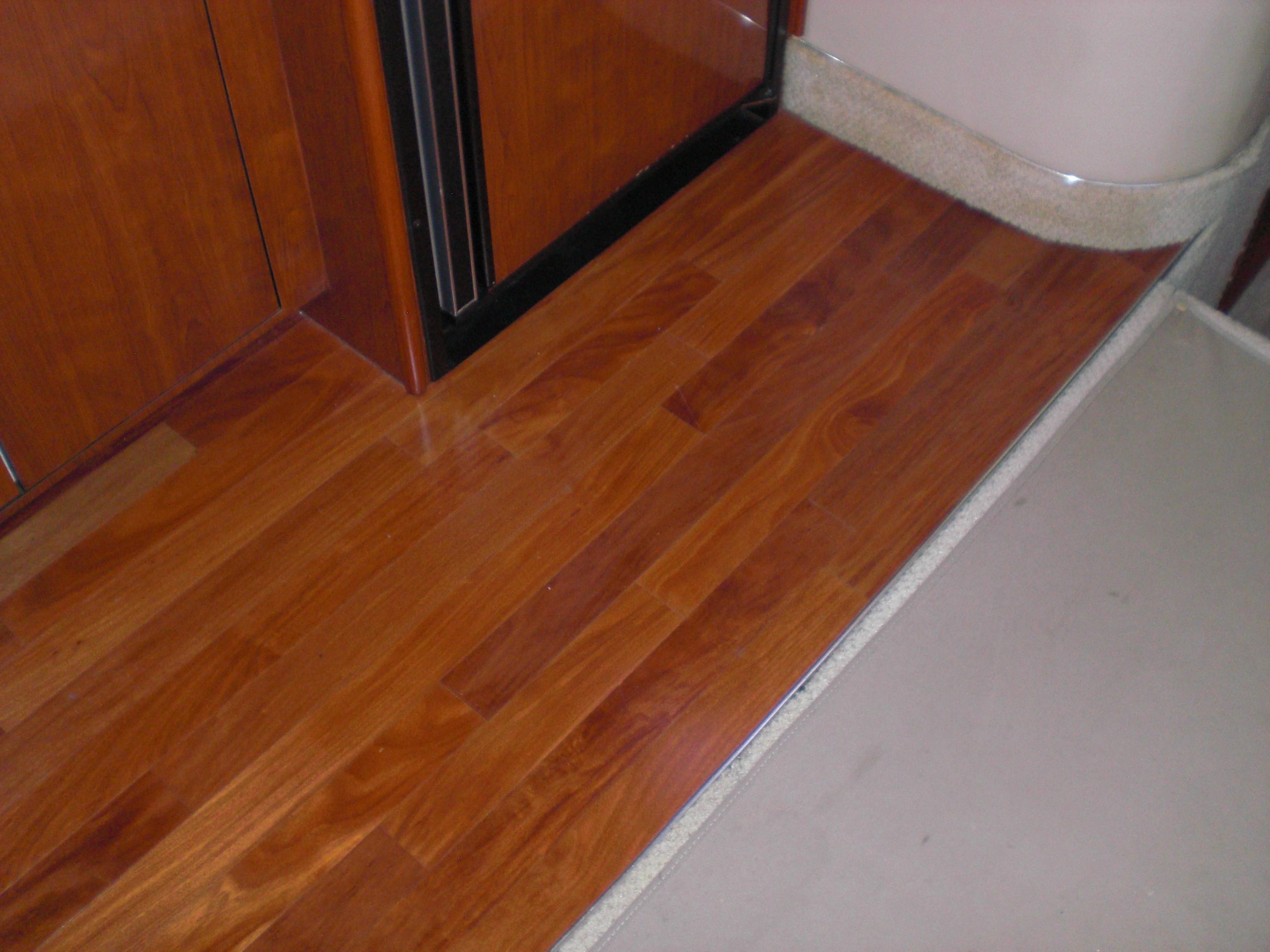 Sea Ray 480 Motor Yacht - Hardwood Floor in Galley