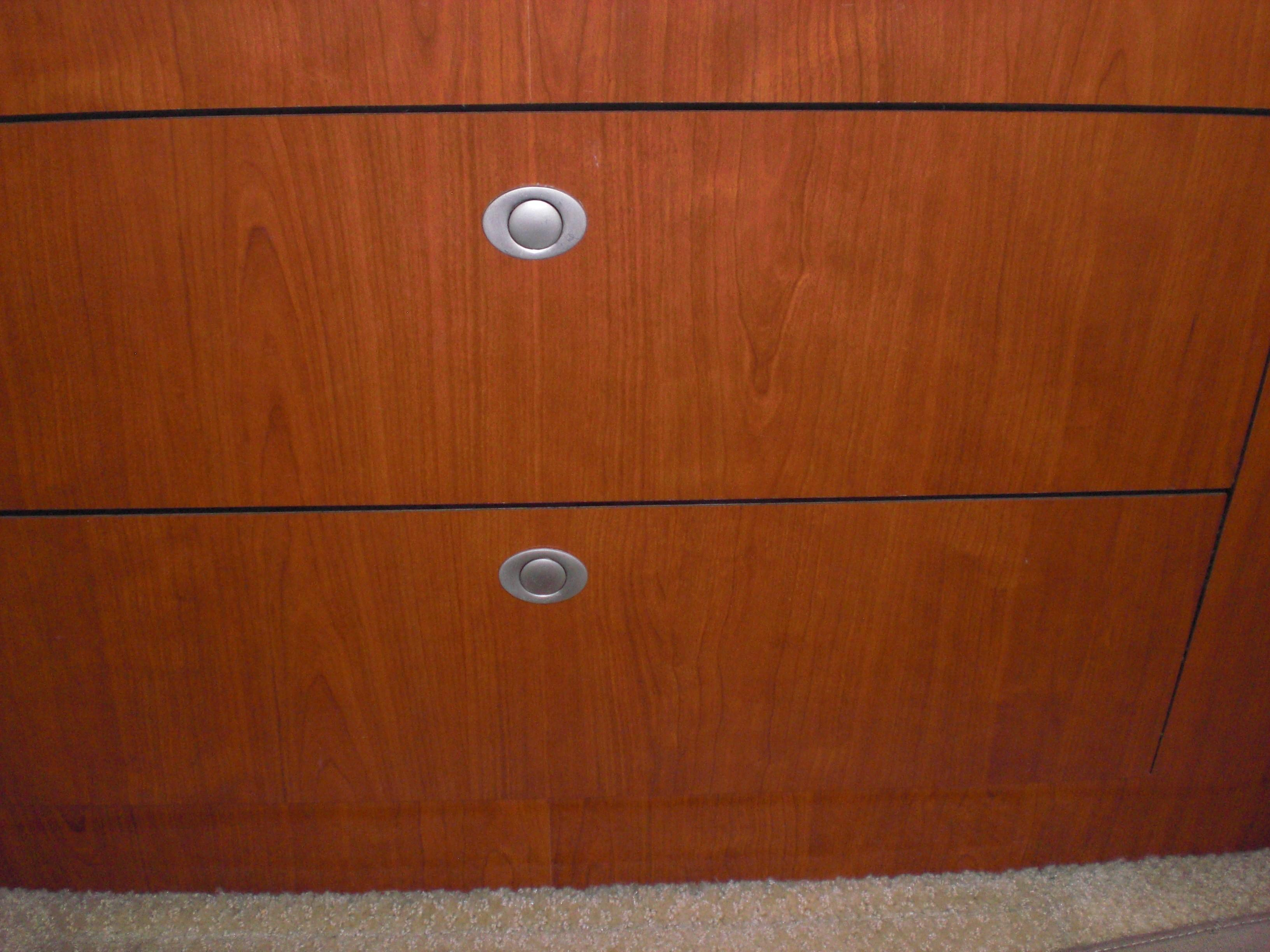 Sea Ray 480 Motor Yacht - Drawers under VIP bed
