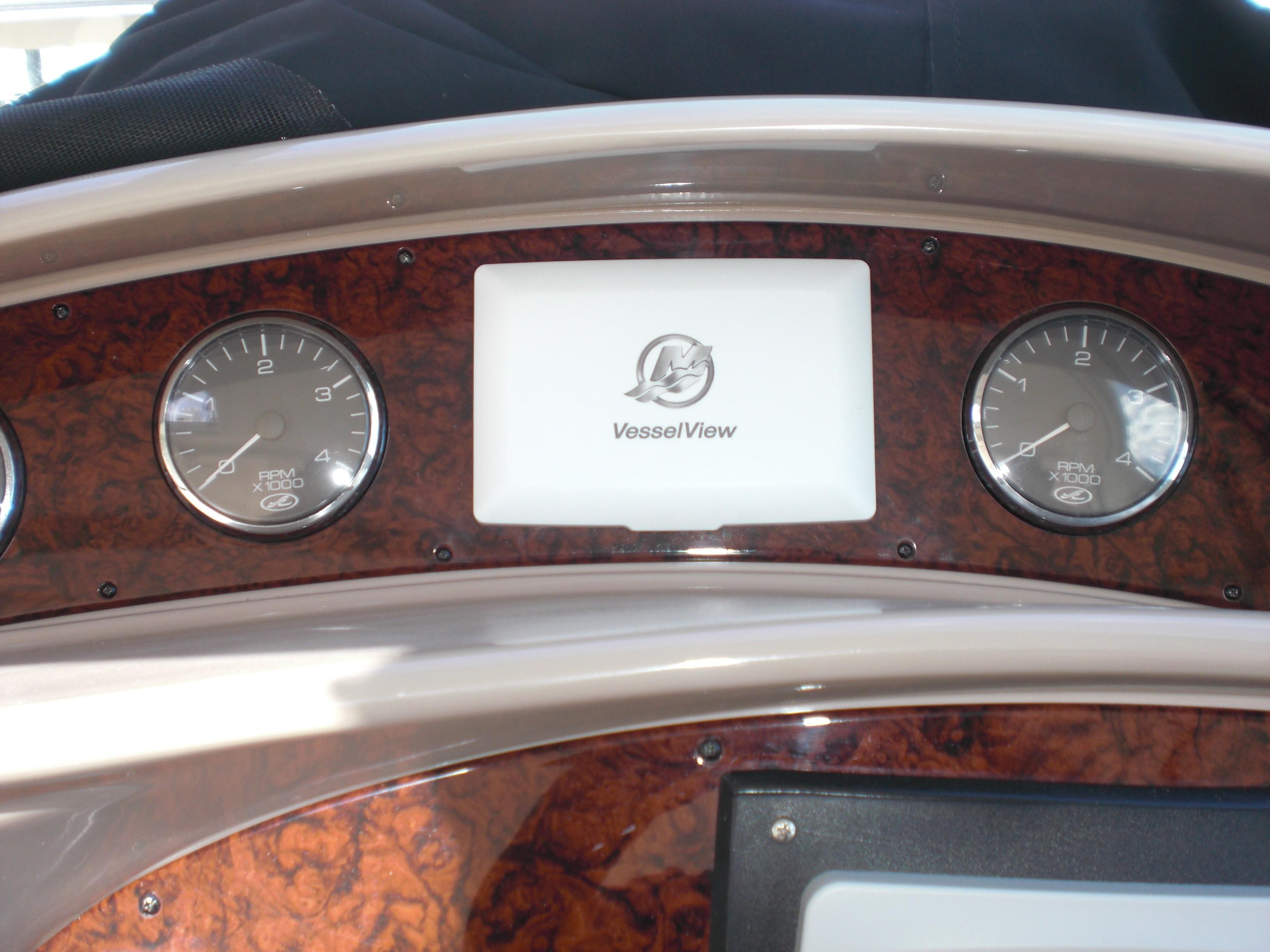Sea Ray 480 Motor Yacht - Photo: #41