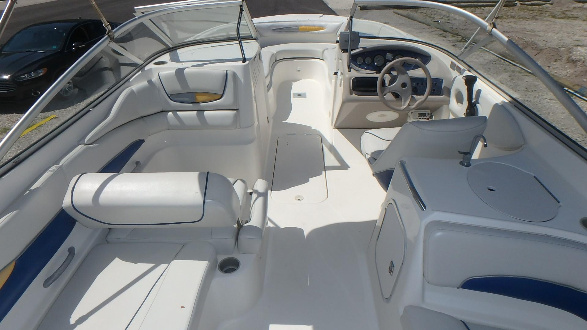 Bayliner 249 - Photo: #11