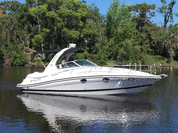 2006 33' Four Winns Vista 318