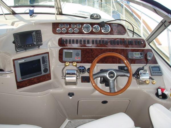 Helm W/new Electronics, Panels & Switches