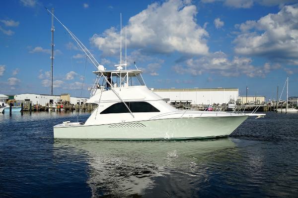 2004 45' Viking 45 Convertible