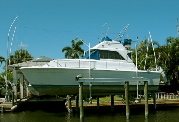 33' Chris Craft - 33 Catalina