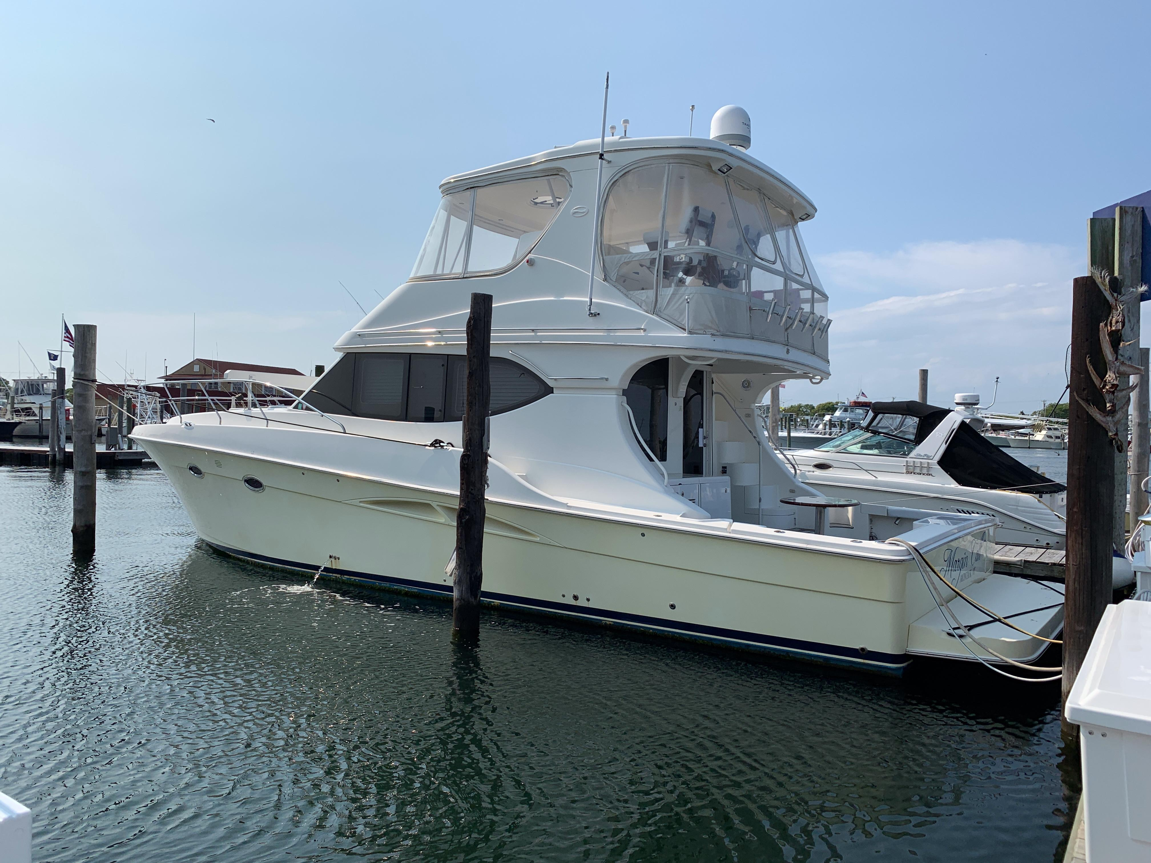 Silverton Yachts | Convertible, T-Series, Sport Coupe, Sport Bridge