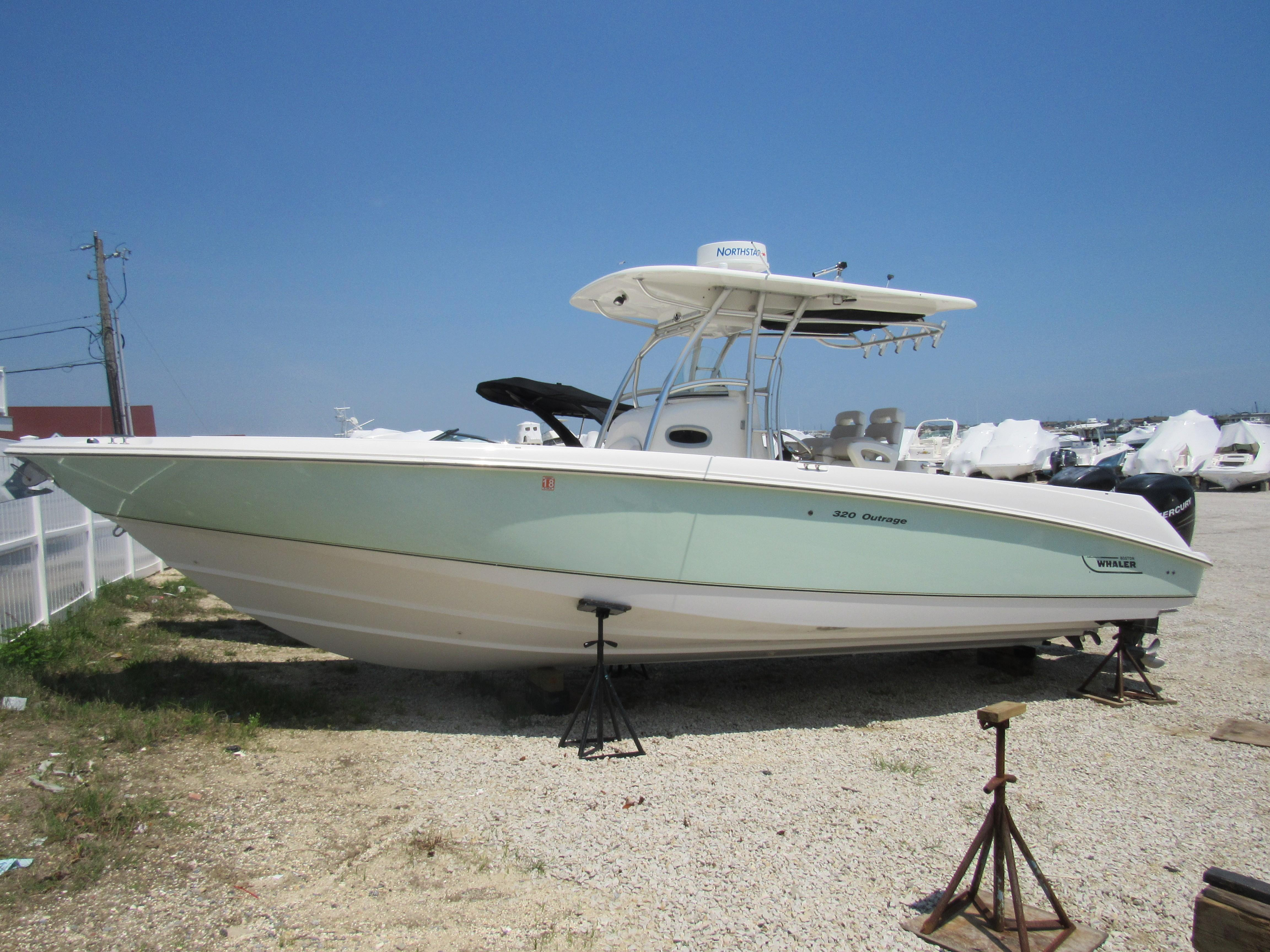 Boston Whaler Power Boats For Sale - Stone Harbor Marina in