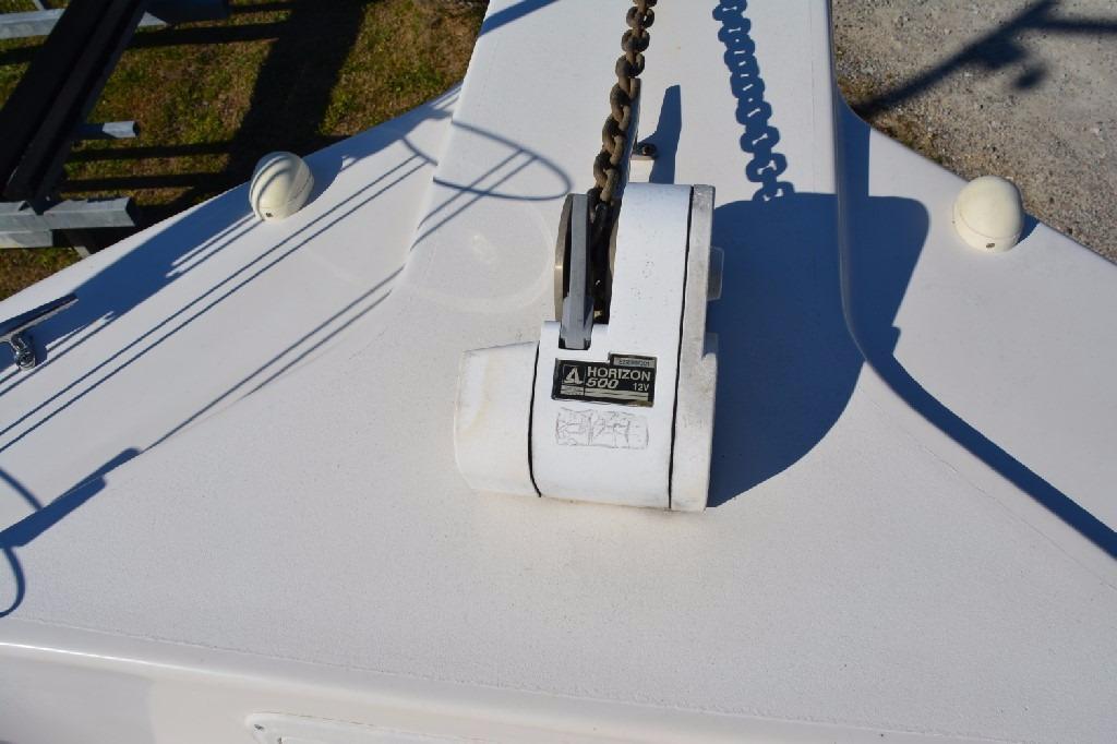 Pro Line 2950 Walk Around - Anchor Windlass