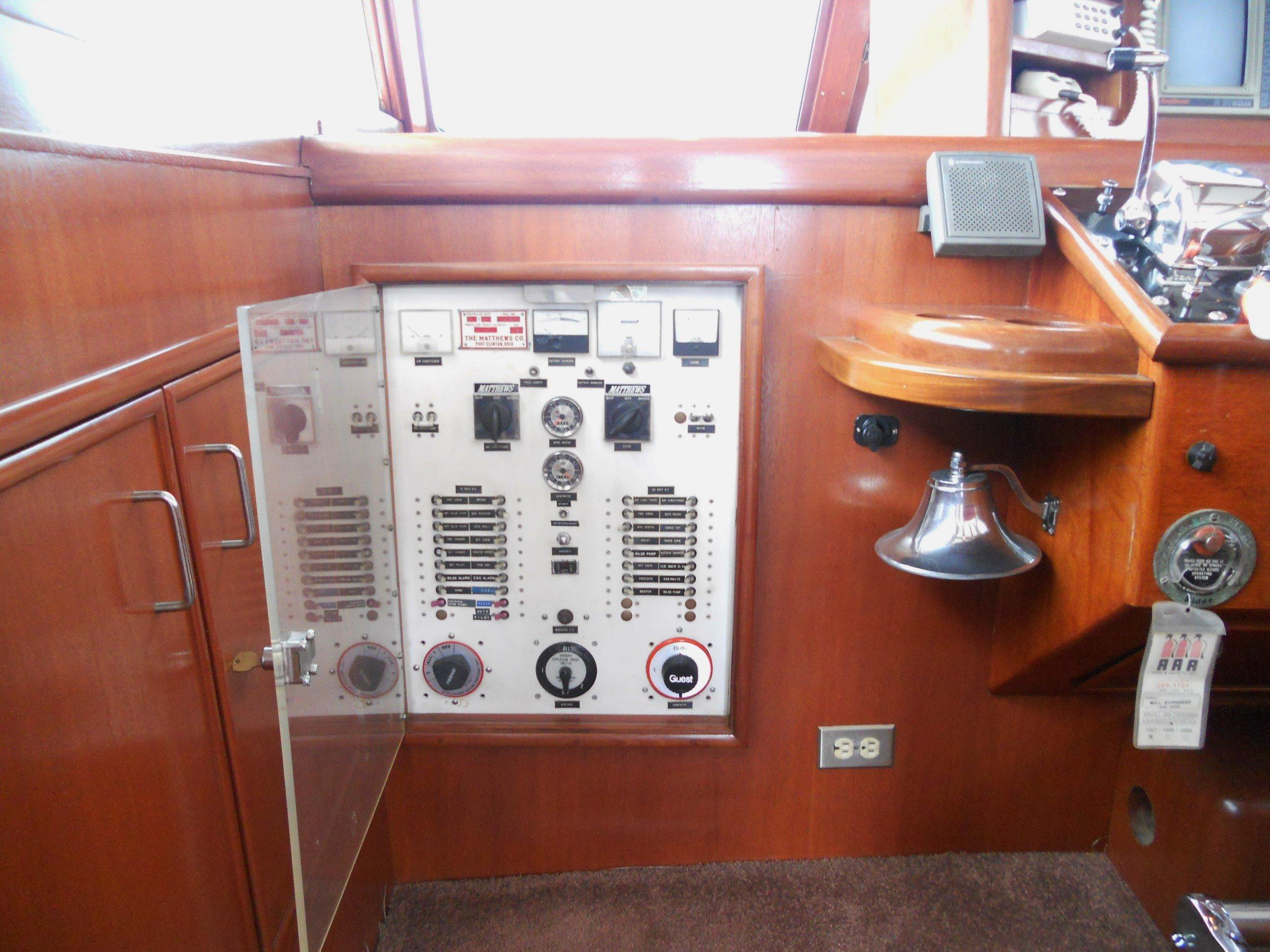 Ships electrical