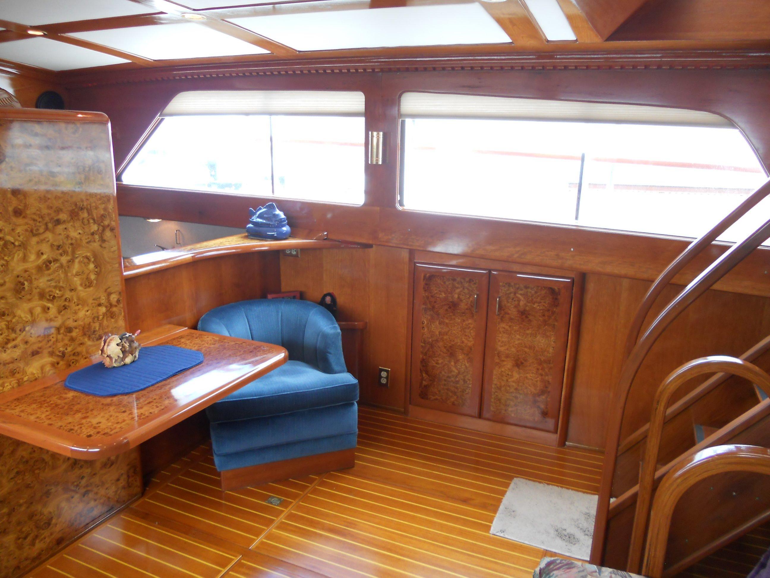 Lower salon starboard