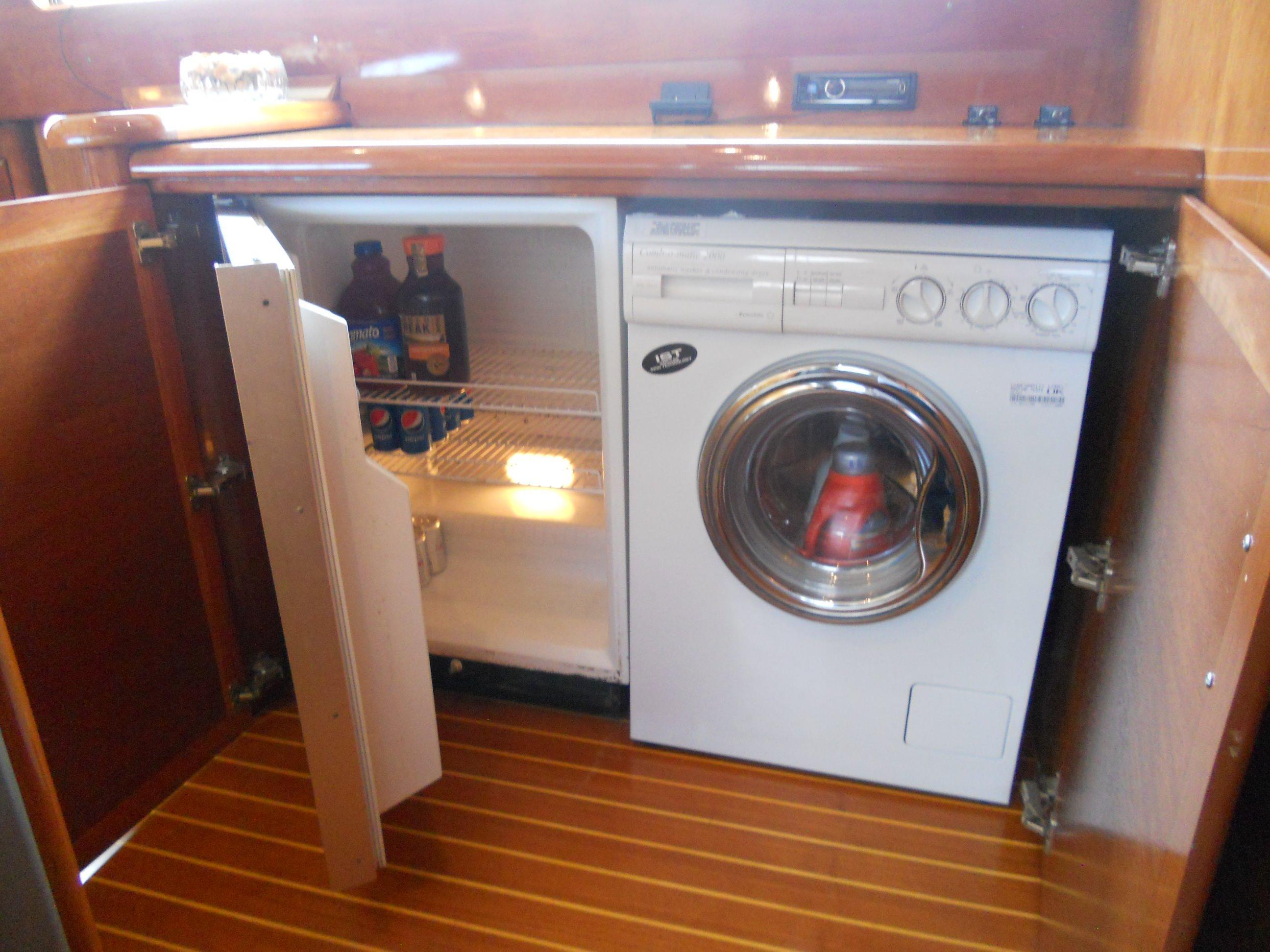 Refrigerator, Washer/dryer
