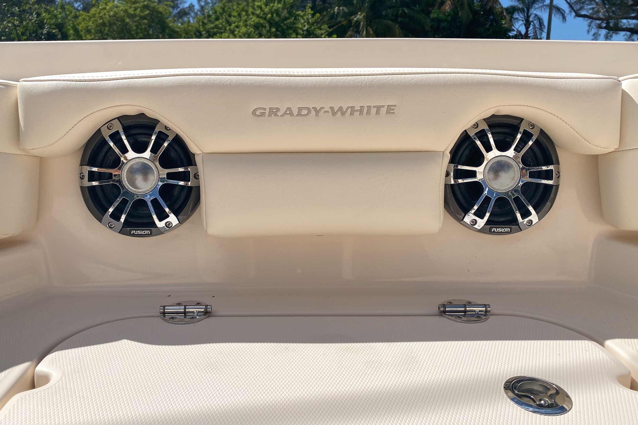 2020 Grady-White Freedom 235