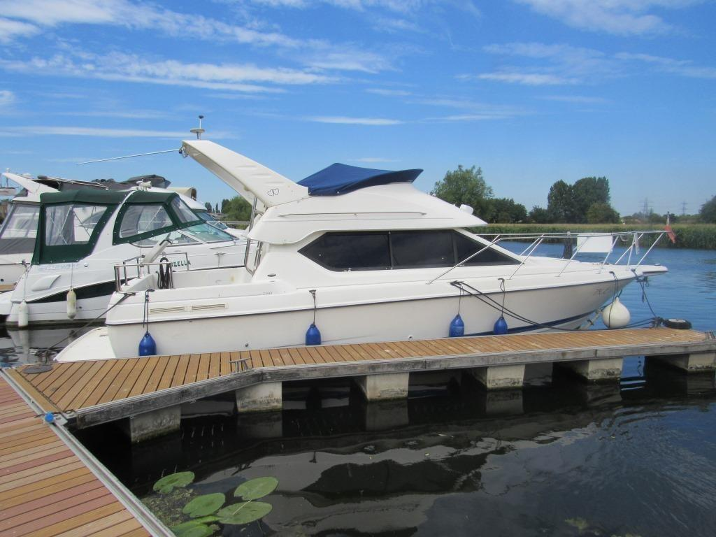 Bayliner 288 Classic for sale - Bates Wharf