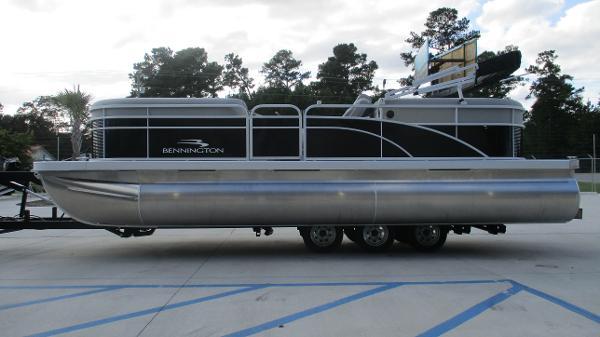 2021 Bennington boat for sale, model of the boat is 22 SVSR & Image # 4 of 48