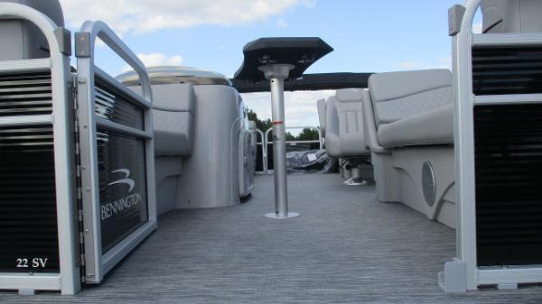 2021 Bennington boat for sale, model of the boat is 22 SVSR & Image # 9 of 48