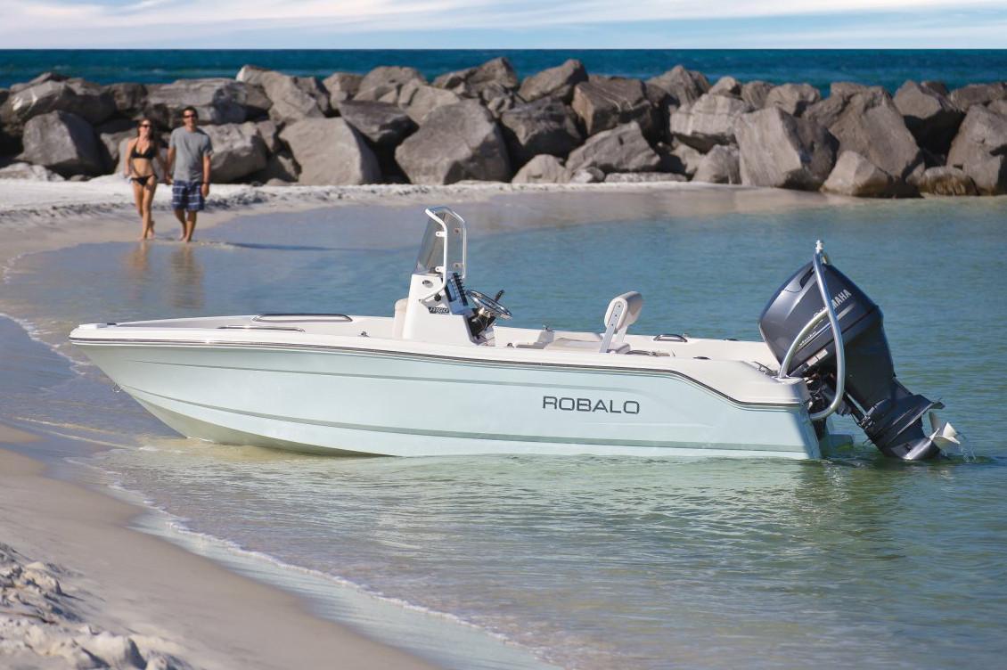 Robalo R160 Center Console 2020