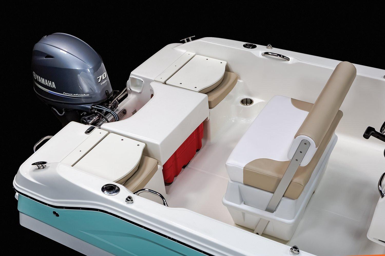 Robalo R160 Center Console 2020 10