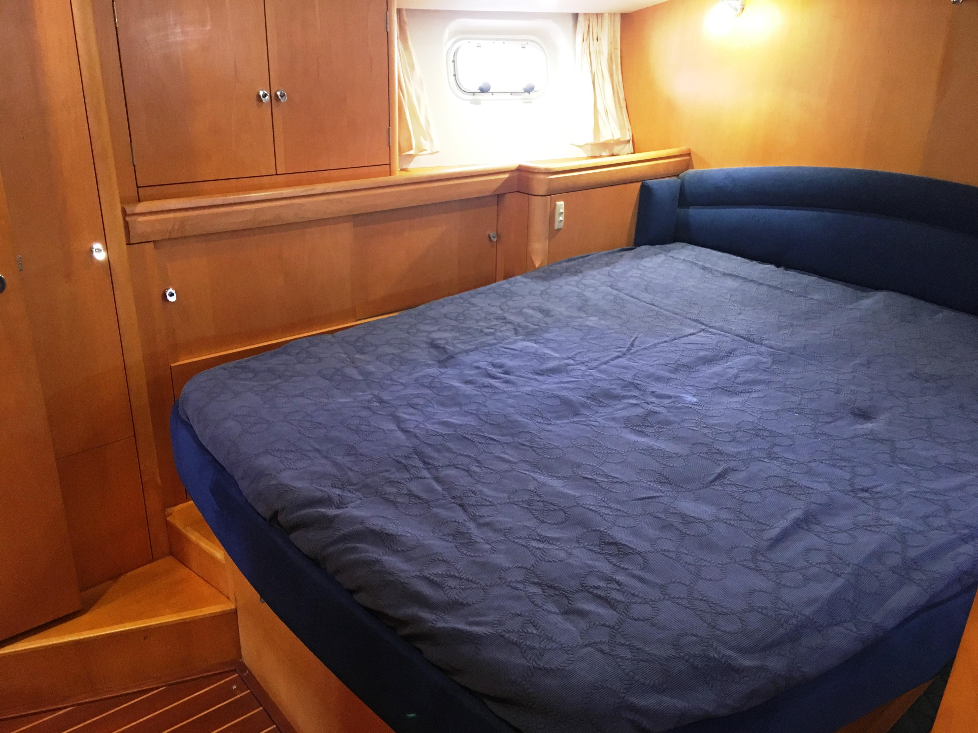 53' Oyster 53 2001   Seacoast Yachts