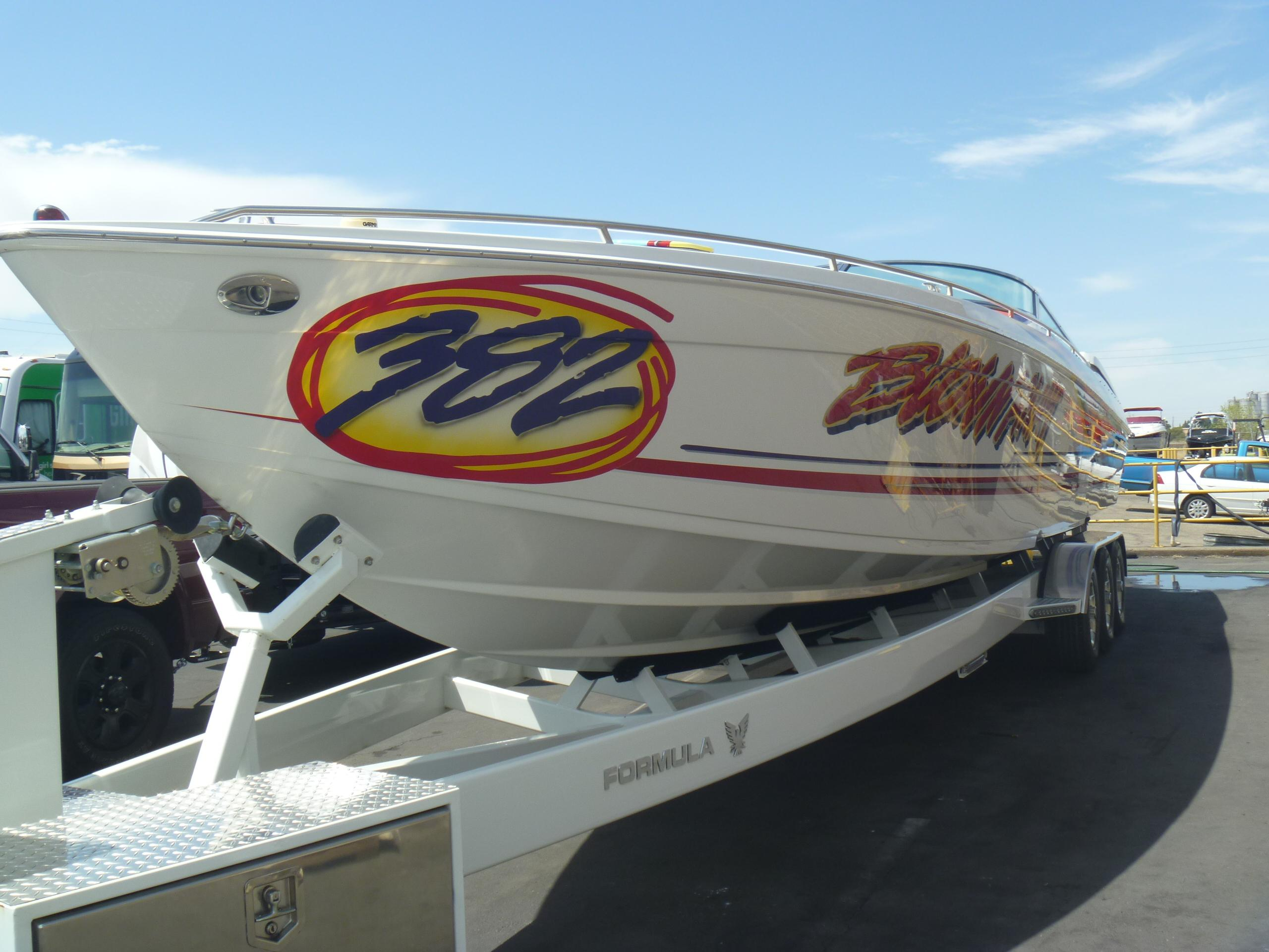 2002 Formula 382 FASTech - Yacht Sales and Services