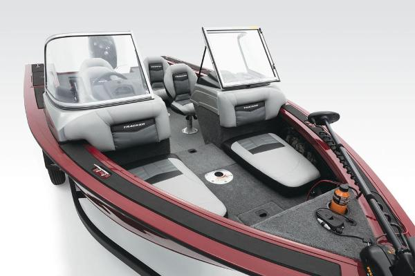 2017 Tracker Boats boat for sale, model of the boat is Targa V-18 Combo & Image # 4 of 41