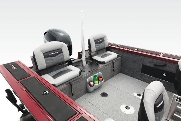 2017 Tracker Boats boat for sale, model of the boat is Targa V-18 Combo & Image # 5 of 41