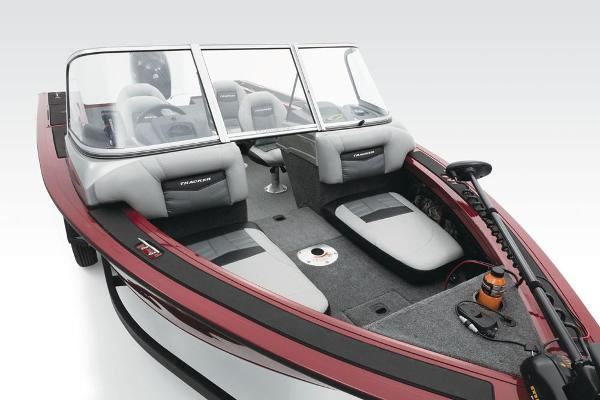 2017 Tracker Boats boat for sale, model of the boat is Targa V-18 Combo & Image # 8 of 41
