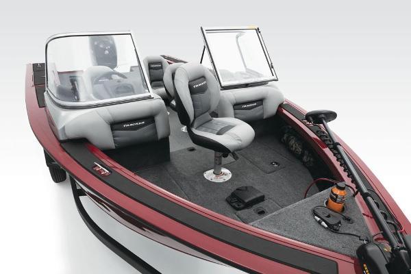 2017 Tracker Boats boat for sale, model of the boat is Targa V-18 Combo & Image # 11 of 41