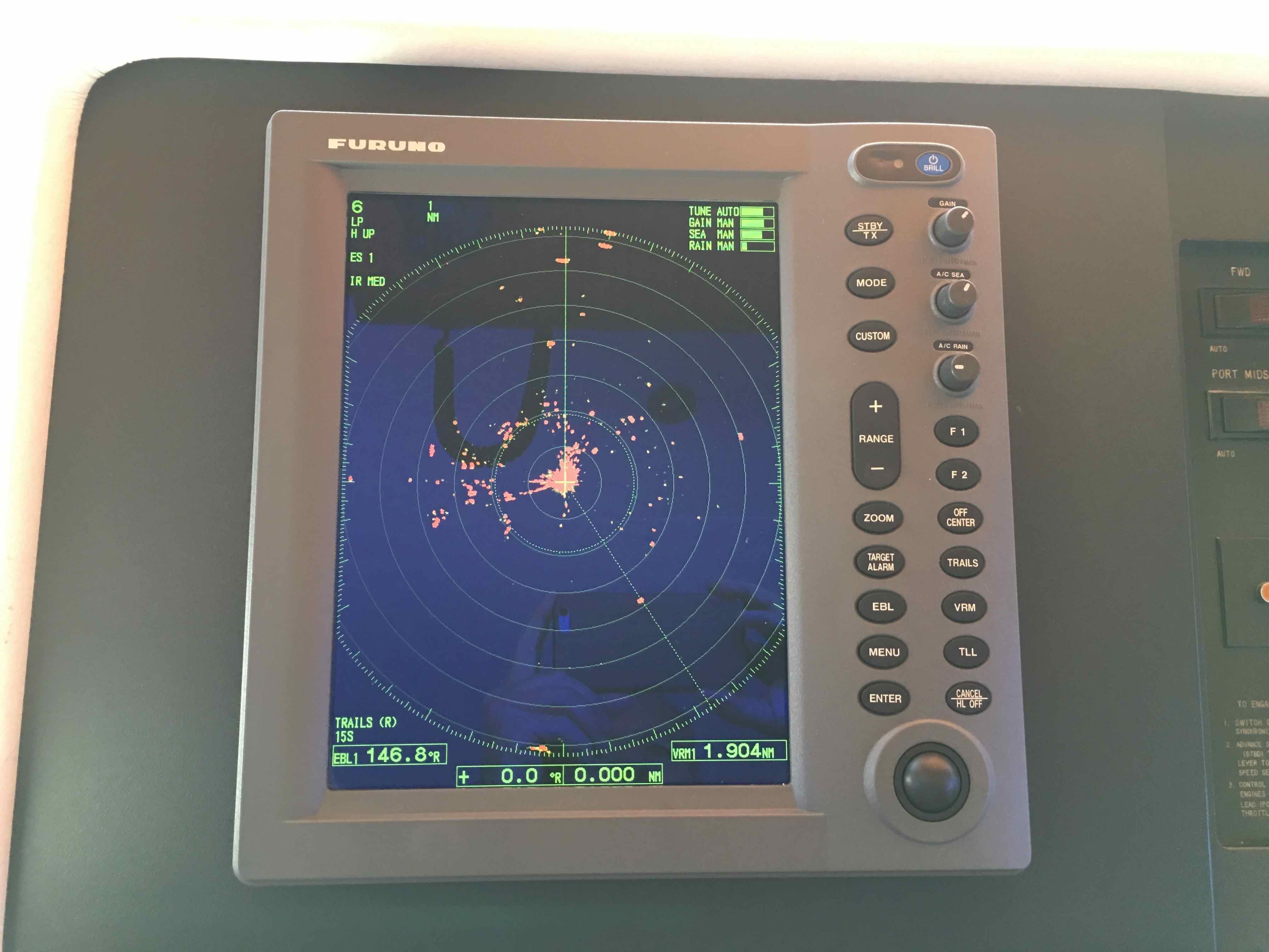 Hatteras 74 CPMY Furuno Radar