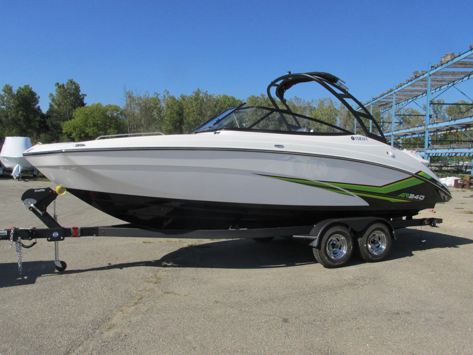 Yamaha BoatsAR240
