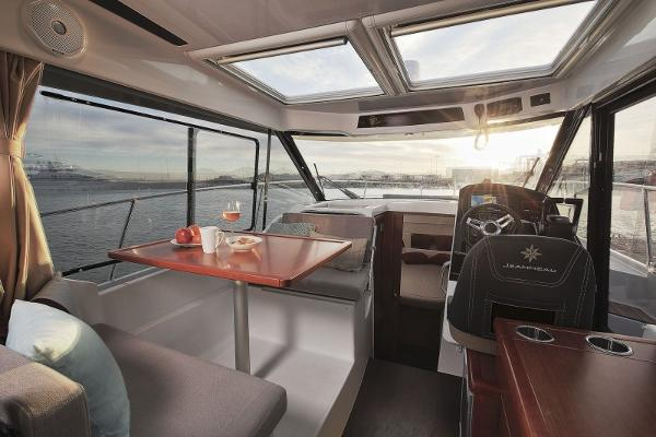 2019 Jeanneau Merry Fisher 895 Offshore