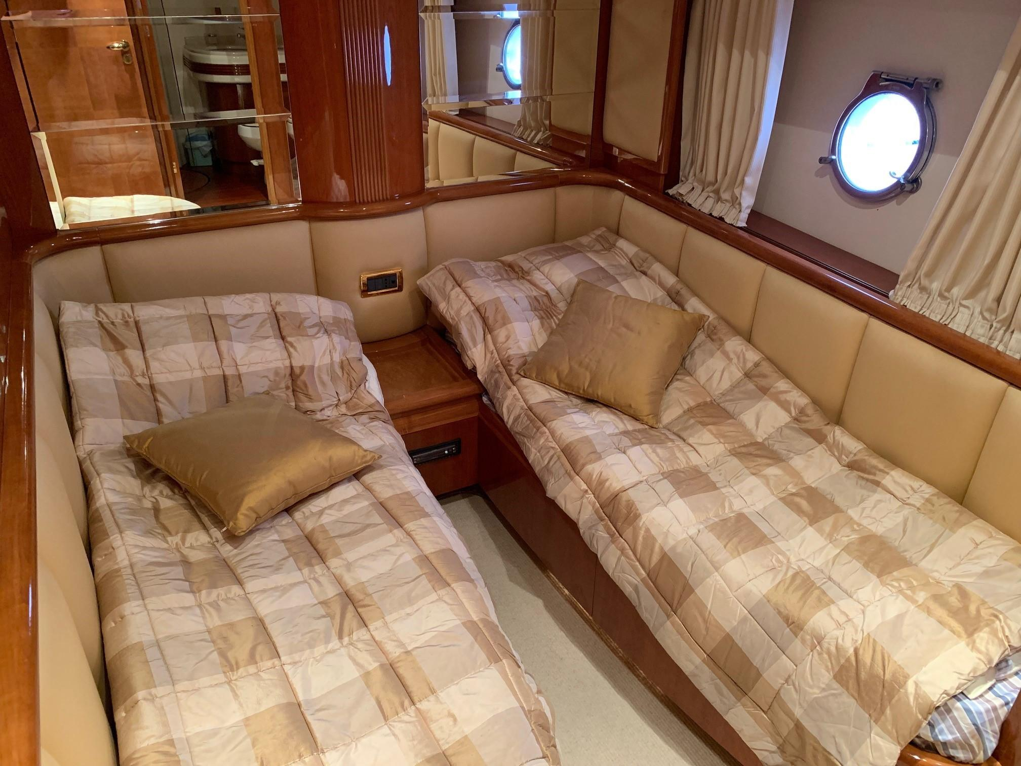 Azimut 80 - Guest Cabin 2