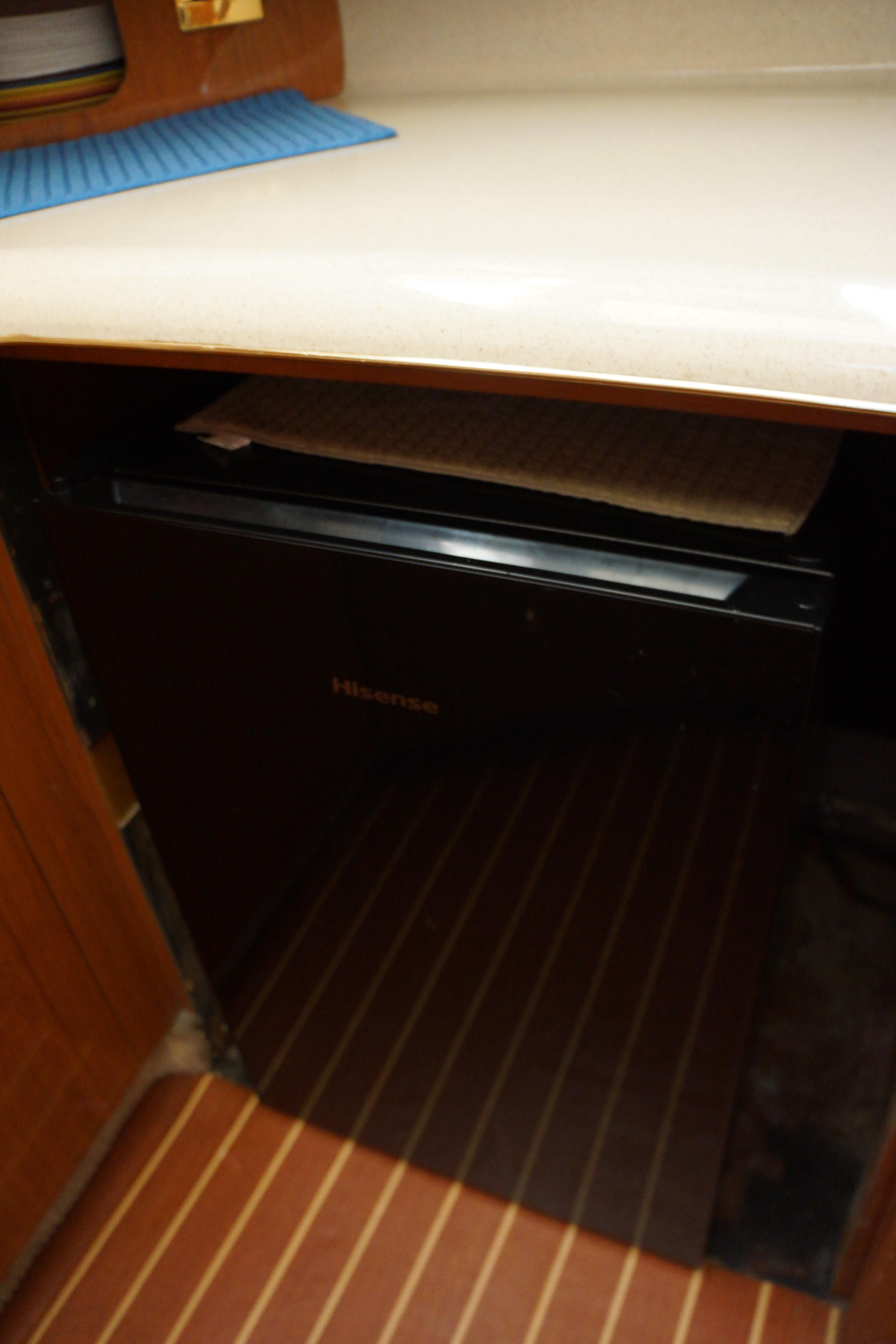 Sea Ray 370 Aft Cabin - Photo: #20