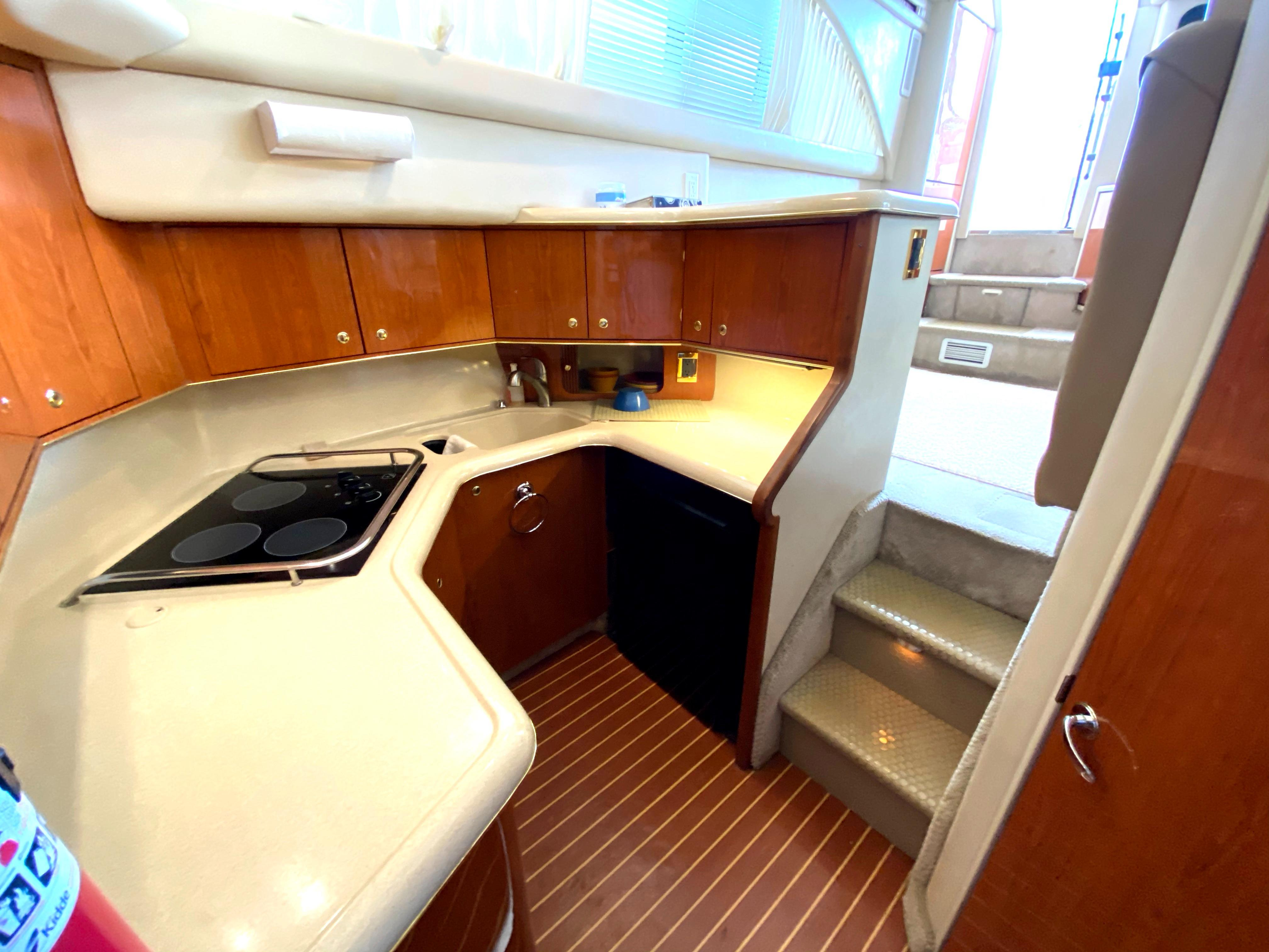 Sea Ray 370 Aft Cabin - 1998 Sea Ray 370 Aft Cabin galley