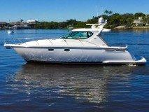 <a href='//www.boatbuys.com/2006-tiara-yachts-4300-sovran-for-sale-in-florida_1946450'>2006 Tiara Yachts 4300 Sovran - $299,999 USD</a>