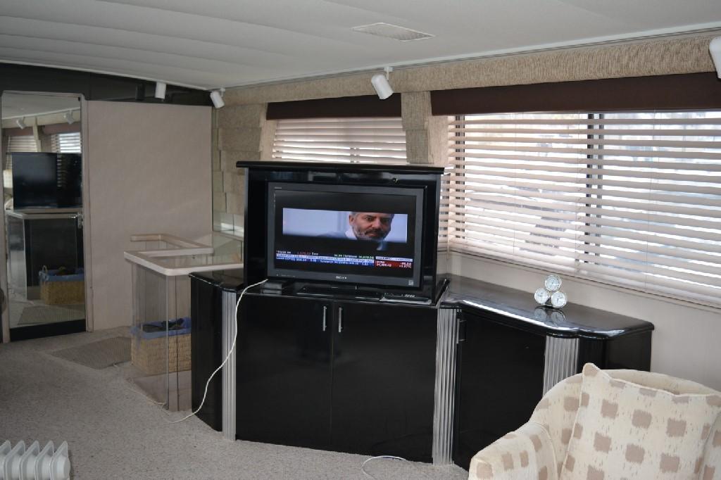 Hatteras 70 Motor Yacht - Salon 5
