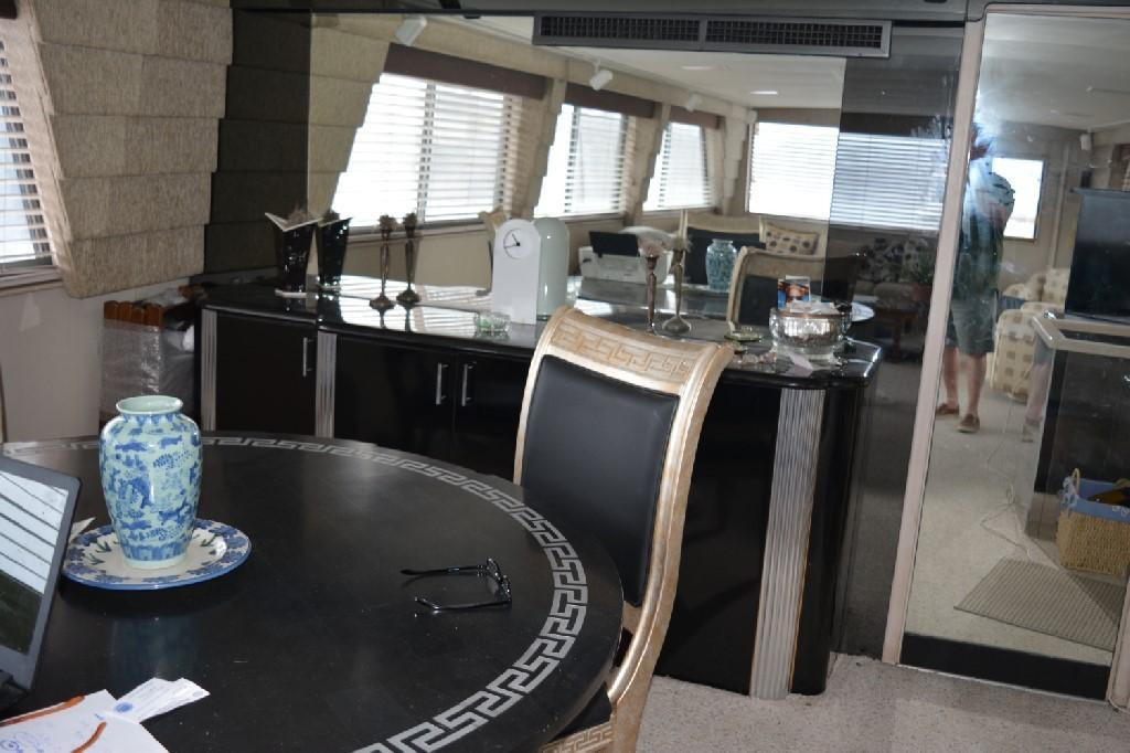 Hatteras 70 Motor Yacht - Dining Table 2
