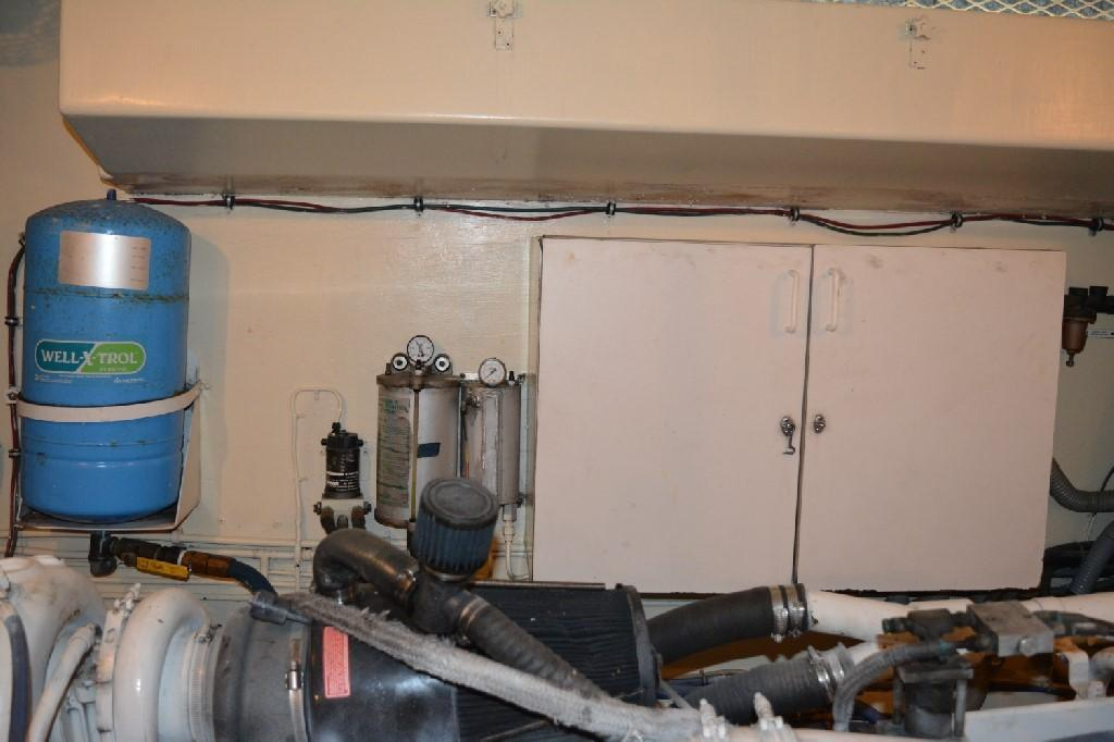 Hatteras 70 Motor Yacht - Engine Room 6