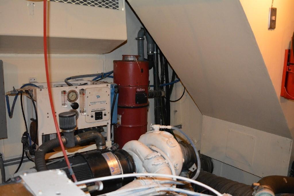 Hatteras 70 Motor Yacht - Engine Room 9